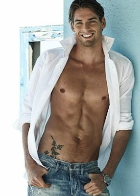 364453_1 camille lacourt foto sexy hot