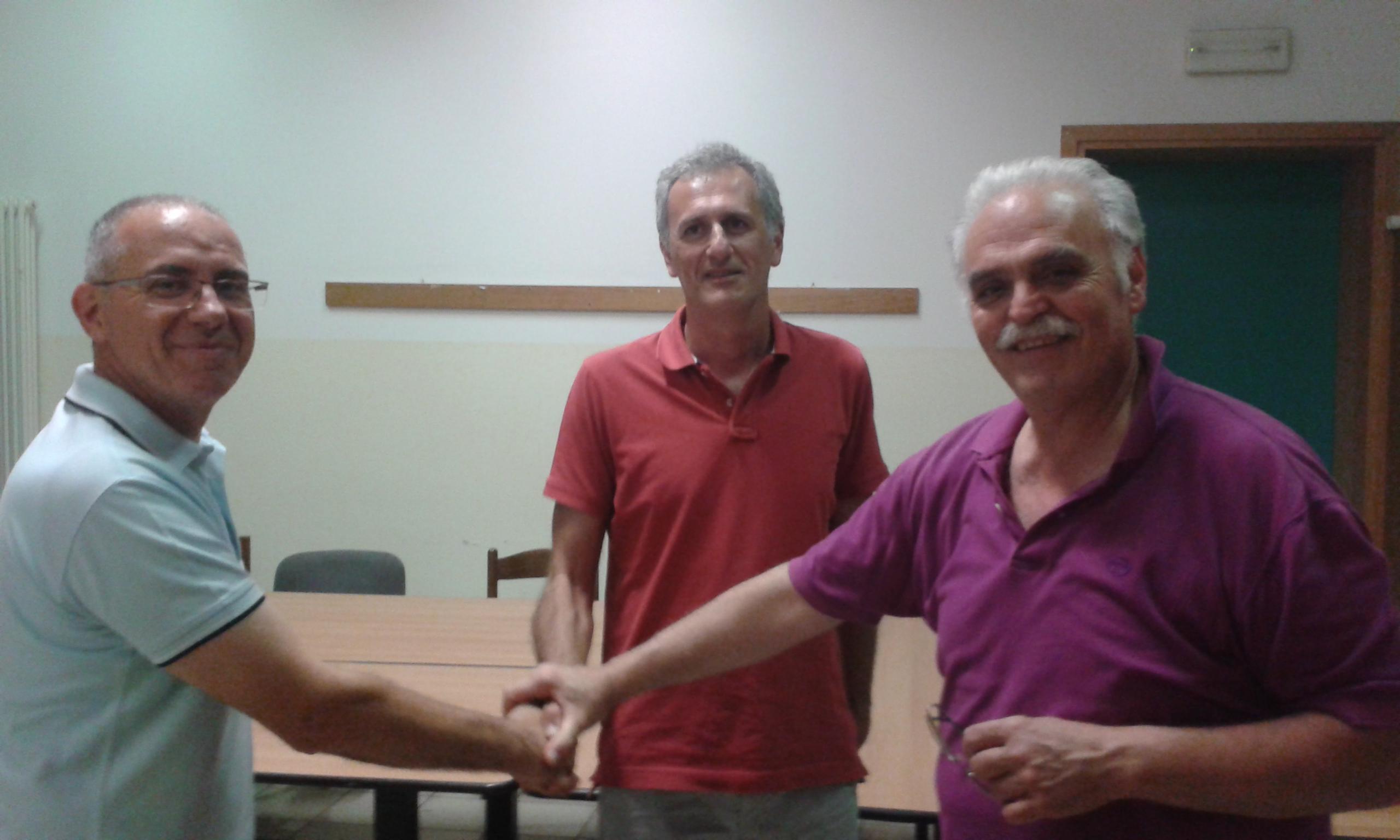 Nella foto: coach Bagatella e il suo assistente Comisso con il presidente Giacomo Trimarchi