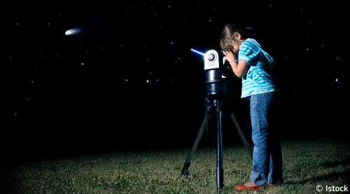 little_girl_telescope_big