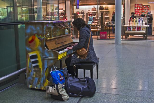 stazione-venezia-pianoforte-pubblico