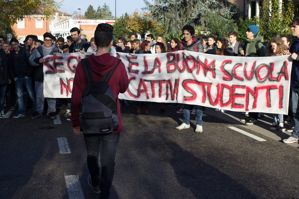 Immagine tratta dalla pagina Facebook del coordinamento studentesco