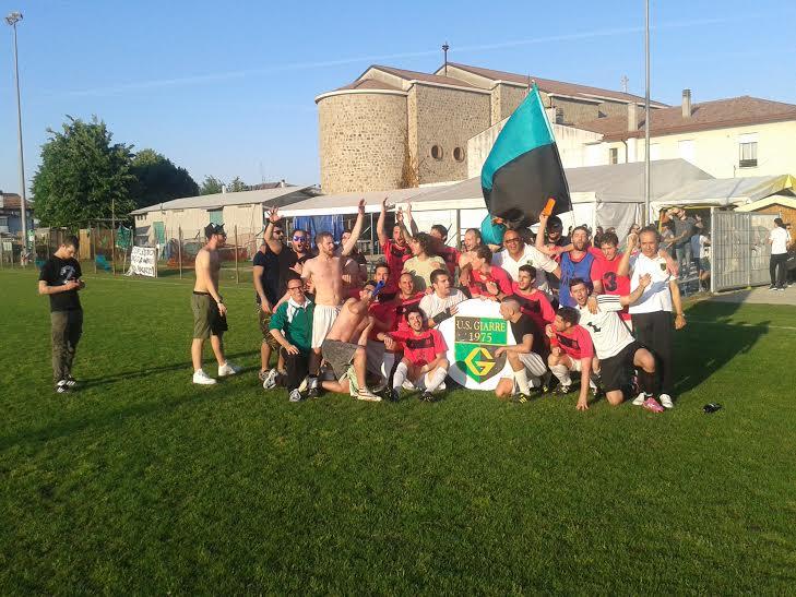 (Il Giarre festeggia la promozione. Fonte foto: Giuseppe Lazzaro).