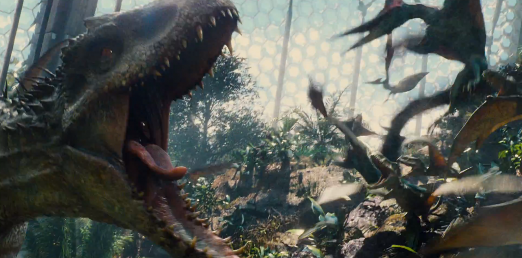 L'Indominus Rex irrompe nella voliera del Jurassic World. (Fonte immagine: theinsightfulpanda.com)