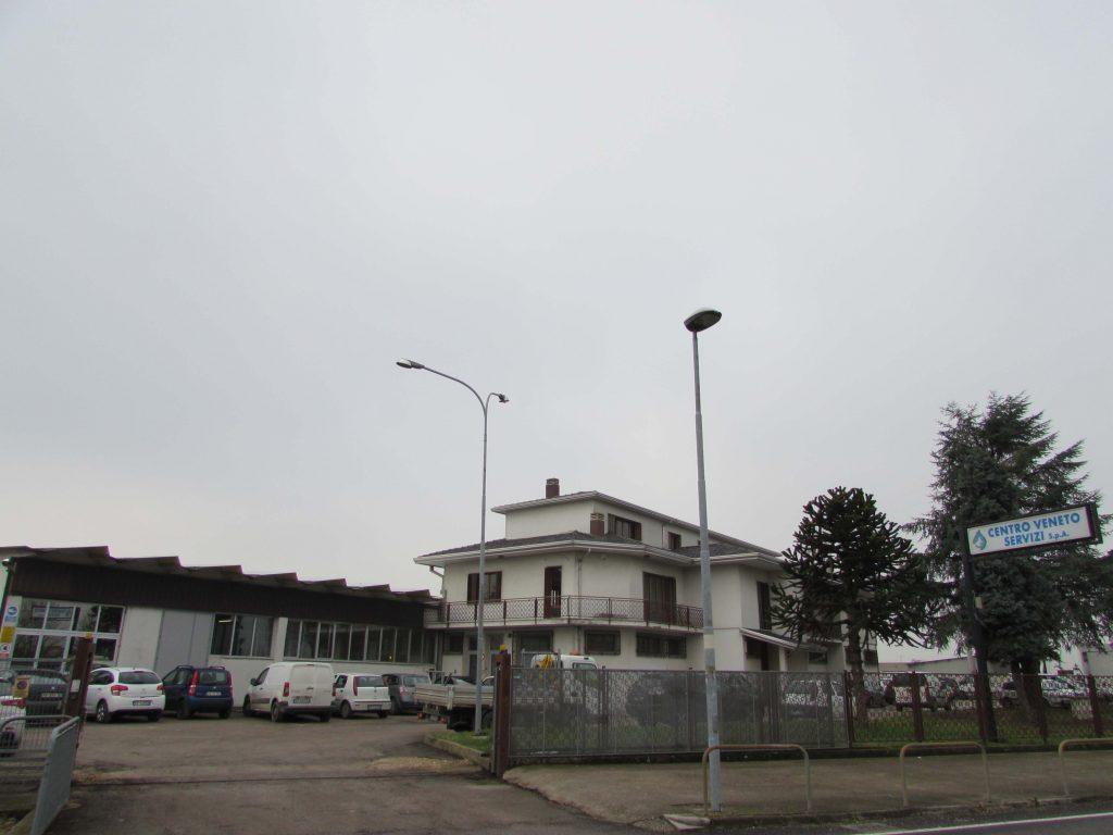 (La sede del CVS a Carceri. Fonte foto: www.centrovenetoservizi.it)