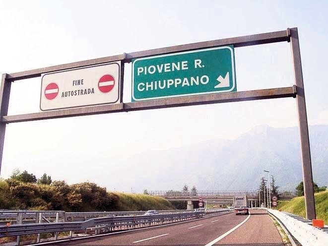 Il termine nord della A31, all'altezza di Piovene Rocchette (fonte foto: www.ladomenicadivicenza.gruppovideomedia.it)