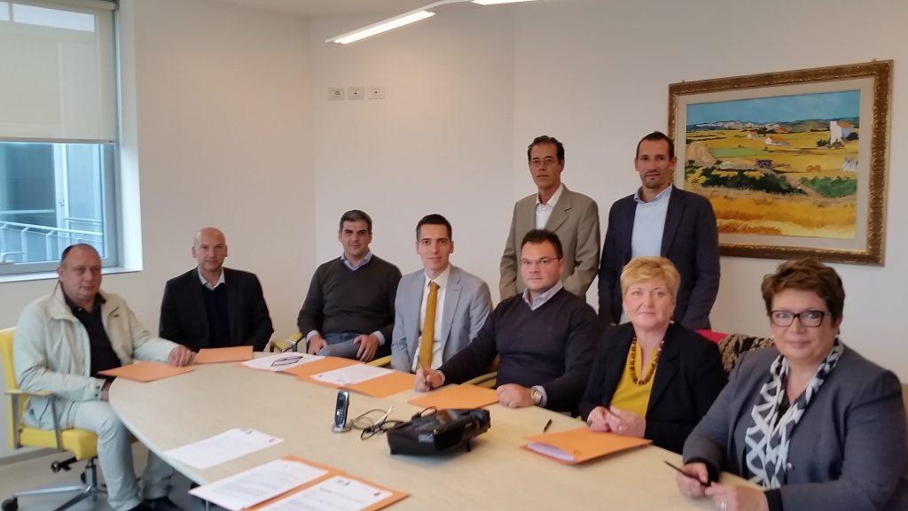 (I sindaci dei Comuni colpiti dai Pfas, che hanno partecipato all'iniziativa)