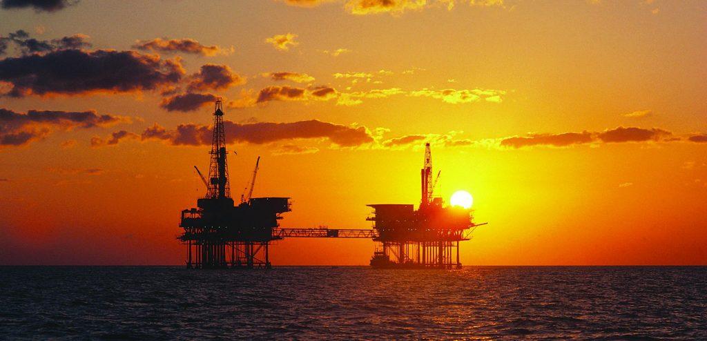 Piattaforma petrolifera (Agenzia: corbis)