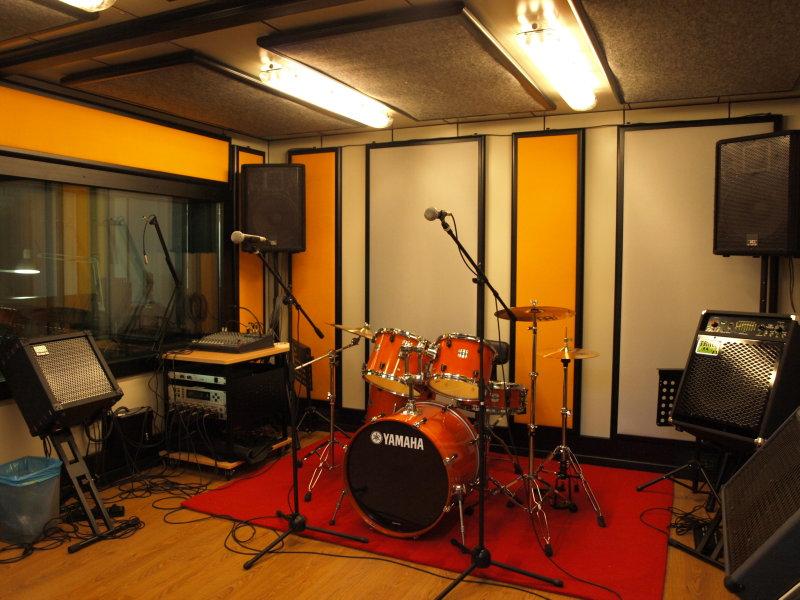 Si torna a suonare a piove di sacco trovata una nuova sala prove estensione - Studio di registrazione in casa ...