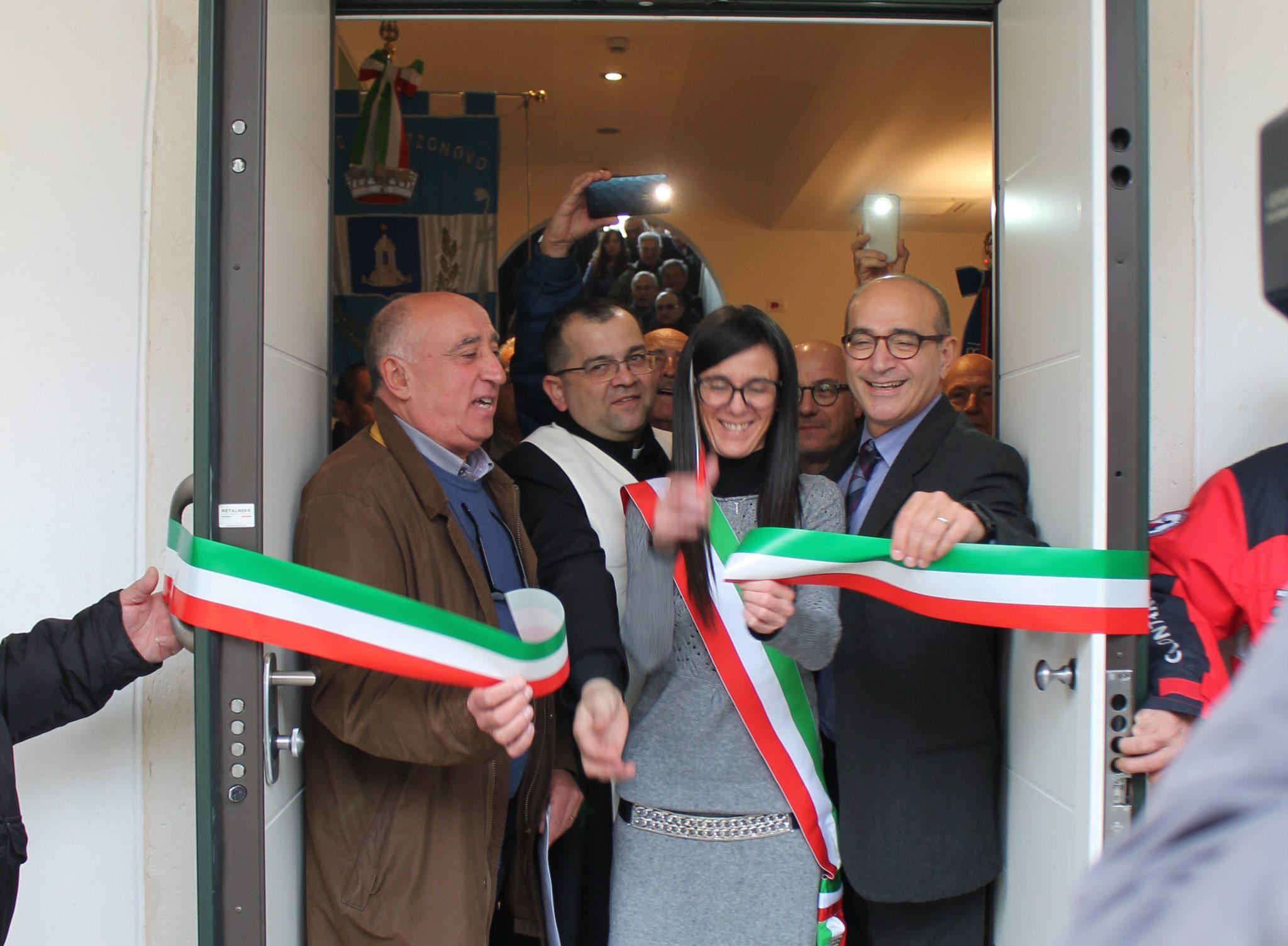 Un momento dell'inaugurazione del nuovo ambulatorio a Pozzonovo